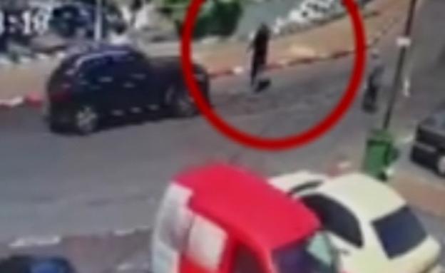 תיעוד: פקח נדרס כנקמה על דוח חניה (צילום: חדשות 2)