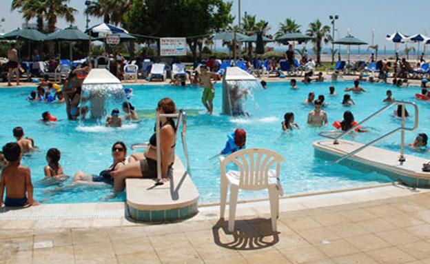 ילדים בבריכה בחופש הגדול (צילום: חדשות 2)