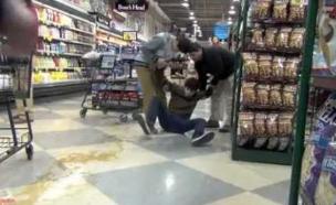 נפילה בסופרמרקט (וידאו WMV: צילום מסך ,יוטיוב)