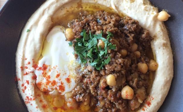 אום כולתום חיפה חומוס (צילום: מארק יפה ,אוכל טוב)