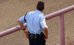 משטרת ישראל - שוטר מהגב (צילום: חדשות 2)