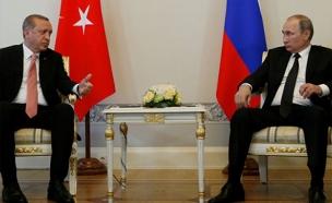עם פוטין הוא דווקא מיהר להיפגש (צילום: SKY NEWS)