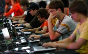 בקרוב - בחינות בגרות במחשב (צילום: רויטרס)