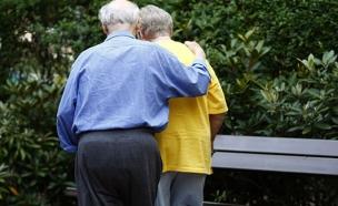 נקמה על גבם של הקשישים? (צילום: רויטרס)