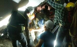 החילוץ בקריסת החניון ברמת החייל (צילום: איחוד הצלה)