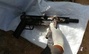"""כלבנים סייעו במציעת האמל""""ח (צילום: משטרת ישראל)"""
