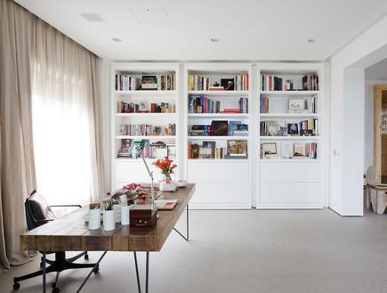 ספרייה שמסתירה חדר (צילום: Fran Parente)