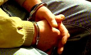 שני חשודים נעצרו, חיפושים אחר נוסף (צילום: חדשות 2)