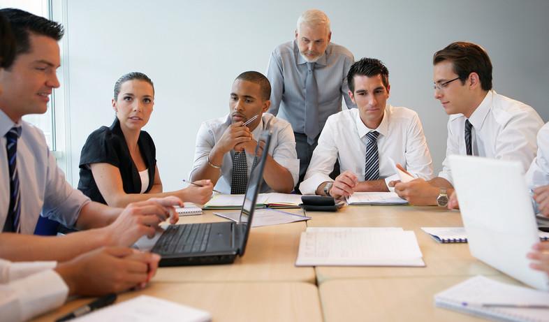 עובדים במשרד (אילוסטרציה: thinkstock ,thinkstock)