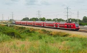 רכבת ישראל (צילום: 123RF, Maor Winetrob)