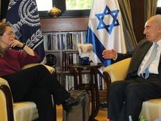 אילנה דיין ושמעון פרס (צילום: יוסף אבי יאיר אנגל ,בית הנשיא)