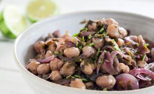 תבשיל חומוס לימוני עם עשבי תיבול (צילום: אסף רונן ,אוכל טוב)