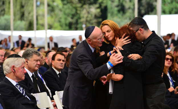 הלוויתו של הנשיא התשיעי שמעון פרס בהר הרצל (צילום: חדשות 2)
