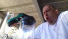 מעשן פלפל חריף (צילום: יוטיוב )
