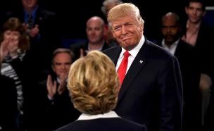 טראמפ וקלינטון בעימות, הלילה (צילום: רויטרס)