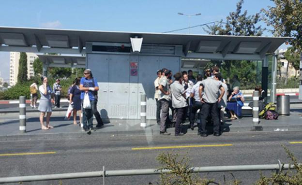 ביטחון ברכבת הקלה בירושלים (צילום: חדשות 2)
