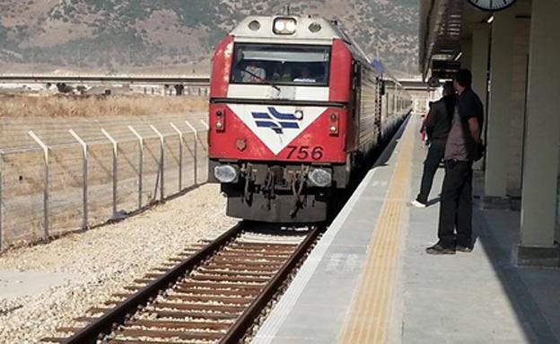 צפו בהודעה הנרגשת של נהג הרכבת (צילום: שחר עדי)