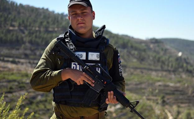 """צפו: החייל הבודד שסיכל שני פיגועים (צילום: דובר צה""""ל)"""