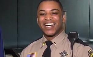 השוטר שמעריץ את ביונסה (צילום: YOU TUBE ,צילום מסך)