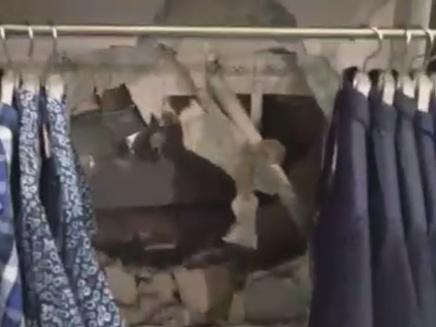 """אלמונים פרצו לחנות אפל בקניון בב""""ש (צילום: רשת istore)"""