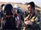 צפו בשליחת חדשות 2 מדווחת מאזור הקרבות (צילום: חדשות 2)