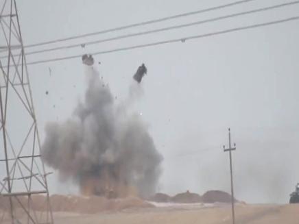 """דאע""""ש פוגע בטנק באזור מוסול בעירק"""