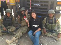 לכטר עם הלוחמים הכורדים (צילום: חדשות 2)