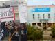 המחאה מחוץ לבית הספר שבח מופת. (ארכיון) (צילום: ויקיפדיה, דוד שי, חדשות 2)