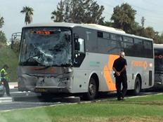 """זירת התאונה בת""""א (צילום: דוברות המשטרה)"""