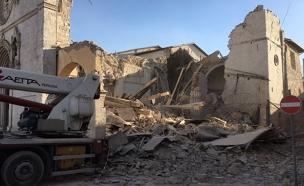 כנסיה שקרסה ברעידת אדמה, פרוגיה (צילום: חדשות 2)