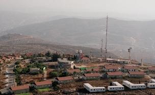 """ההתנחלות מעון ליד חברון (צילום: משה מילנר, לע""""מ)"""