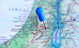סיכות על מפה (צילום: ShutterStock ,ShutterStock)