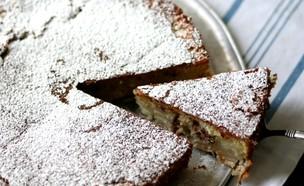 עוגת אגסים ושקדים (צילום: קרן אגם ,אוכל טוב)