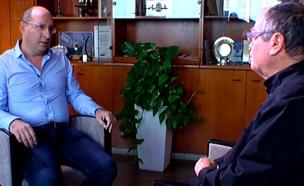 """אמנון אברמוביץ' , יו""""ר ההסתדרות אבי ניסנקורן (צילום: חדשות 2)"""