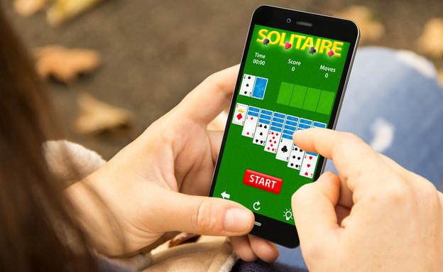 משחק סוליטייר לסמארטפון (צילום: ShutterStock ,ShutterStock)