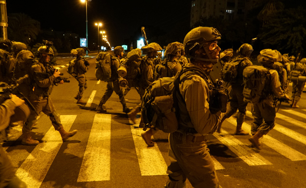 """תרגיל חטיבת הקומנדו ברחובות ת""""א (צילום: דובר צה""""ל)"""