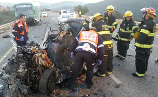 זירת תאונה עם נפגעים (צילום: חדשות 2)