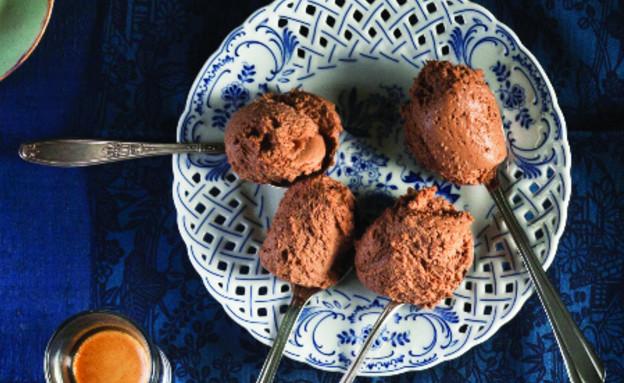 מוס שוקולד ומסקרפונה (צילום: דניאל לילה, סגנון: עמית פרבר ,מחלבות גד)