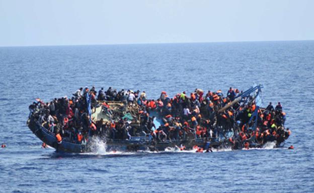 התהפכות סירת מהגרים, ארכיון (צילום: רויטרס)