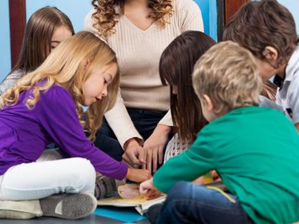 איך לחסוך לילדים? (צילום: 123RF, Tyler Olson)