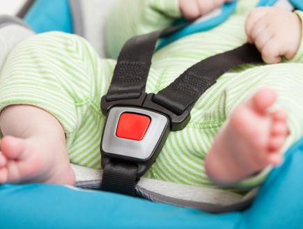 תינוק באוטו (צילום: shutterstock ,shutterstock)