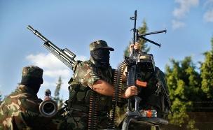 חמושים חמאס הפגנה נגד תהליך שלום (צילום: רויטרס)