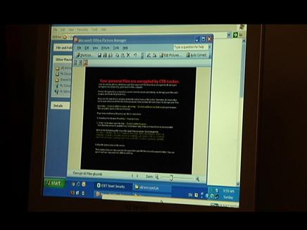האקרים פורצים למחשבים (צילום: חדשות 2)