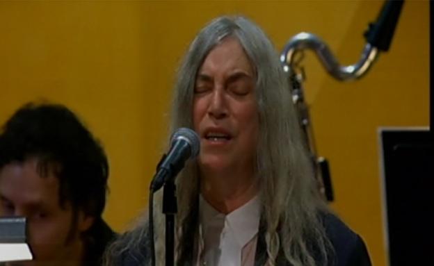 דילן לא הגיע, הזמרת ששרה לכבודו התבלבלה. צפו (צילום: רויטרס)