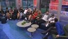 הדיירים יושבים בסלון (צילום: האח הגדול 24/7)