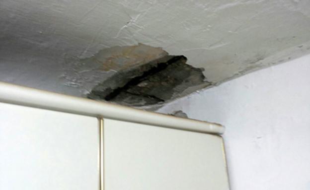 התקרה קרסה על הדייר החולה