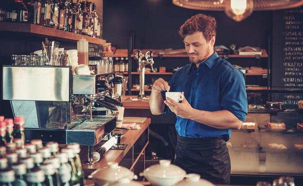בריסטה בבית קפה (צילום: shutterstock ,מעריב לנוער)