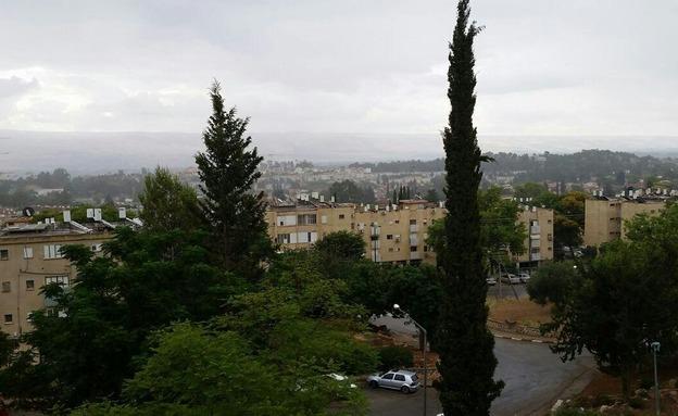 גשם בקריית שמונה (צילום: חדשות 2)