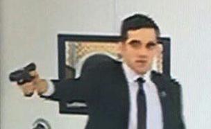 החמוש שירה בשגריר רוסיה בטורקיה (צילום: חדשות 2)