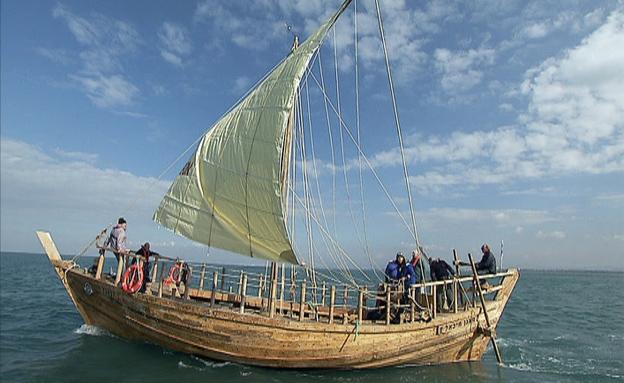 """""""המשוגעים"""" ששחזרו ספינה עתיקה (צילום: חדשות 2)"""